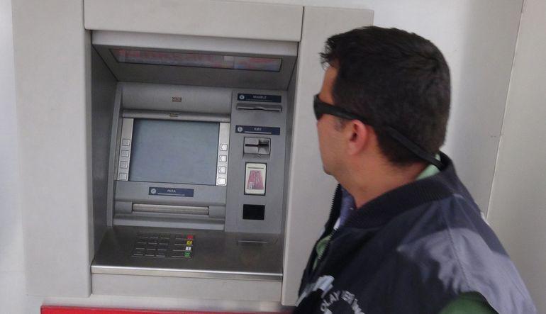 ATM'de kredi kartı hırsızlığı artıyor