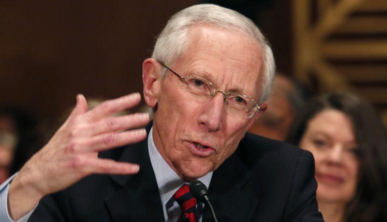 """Fed Başkan Yardımcısı Stanley Fischer katıldığı panelde """"Euro Bölgesi'nde ekonomik ve parasal birliğin krizi atlatacağını"""" ifade etti"""