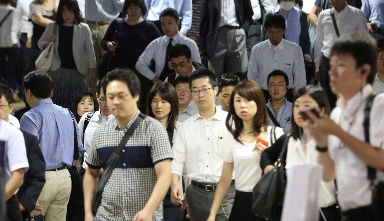 Japonya çalışanlara daha fazla tatil yaptırmaya uğraşıyor