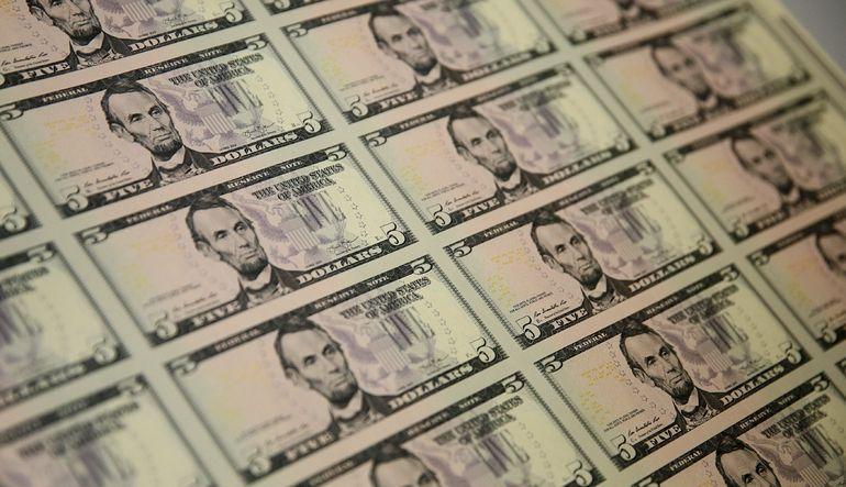 Doların güçlenmesi ABD tahvil getirilerini baskılıyor