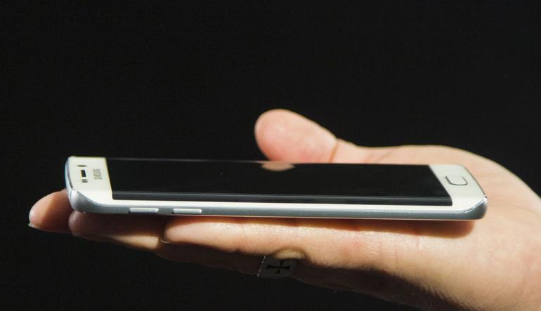 Twitter, kullanıcılara cep telefonu aracılığıyla canlı yayın deneyimi yaşatan Periscope'u, Android cihazlar için de kullanıma sundu