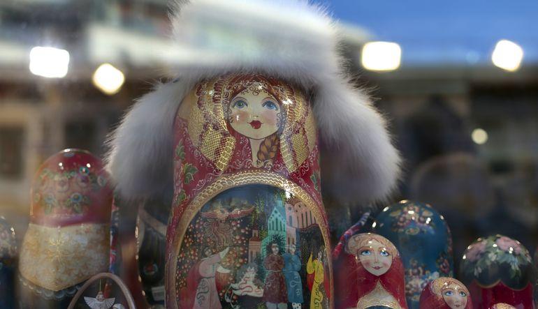 Analistler, kısmi toparlanmaya rağmen Rusya ekonomisinin daralmadan kaçamayacağını söylüyor