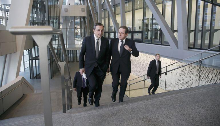AMB Başkan Yardımcısı Vitor Constancio, politikalarının Euro Bölgesi'nde geniş çaplı bir toparlanmaya katkıda bulunduğunu söyledi