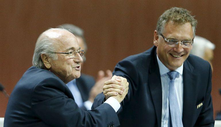 FIFA Başkanı Sepp Blatter'ın en yakınındaki ismin de adının rüşvet iddialarına karışmasıyla dünya futbolunun yöneticisi durumundaki organizasyonu sars