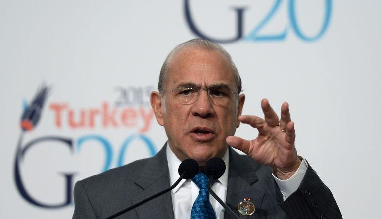 OECD, Türkiye'nin 2015 yılı için daha önce yüzde 3,2 olan büyüme tahminini yüzde 3,1 olarak revize etti