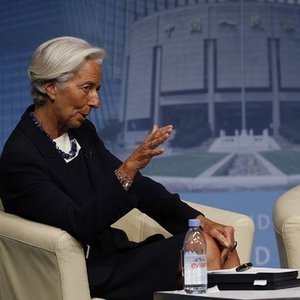 IMF, FED'DEN FAİZ ARTIRIMINI ERTELEMESİNİ İSTEDİ