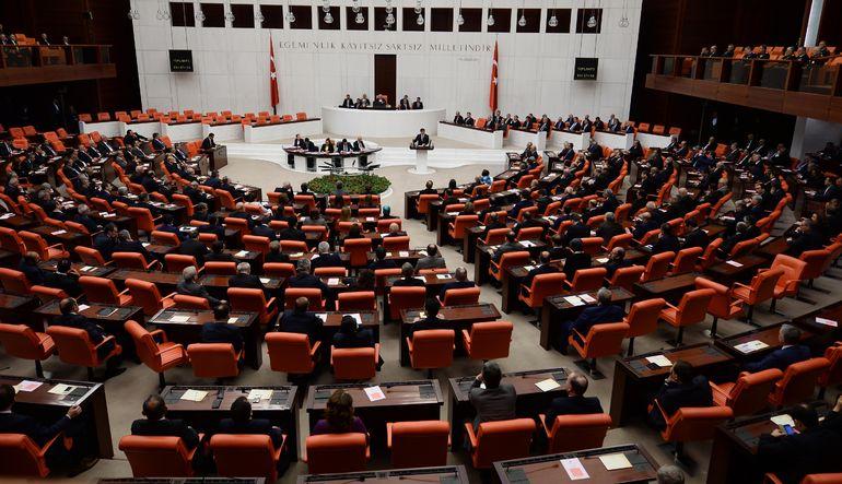 Hükümet arayışında anayasal süreç nasıl işleyecek?