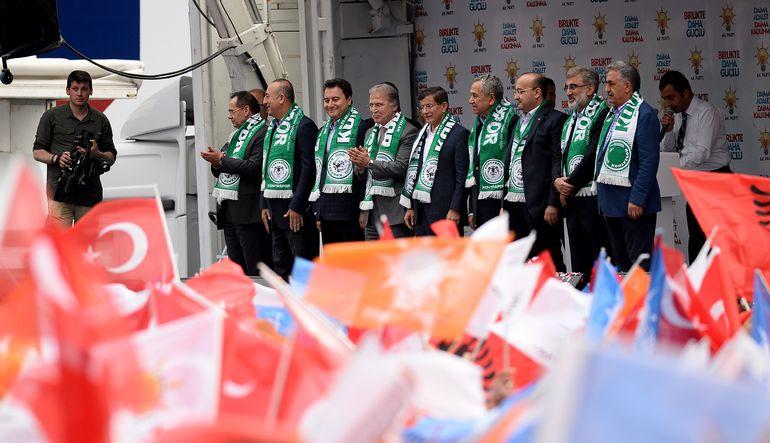 """AK Parti Başkan Yardımcısı Bülent Arınç, """"HDP sizin HDP'niz, eserinizle siz koalisyon kurun"""""""