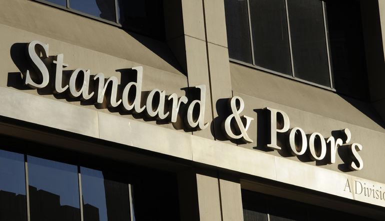 Standard & Poor's, 6 Avrupalı bankanın kredi notları indirdi