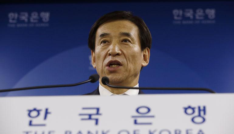 Güney Kore faiz indirdi