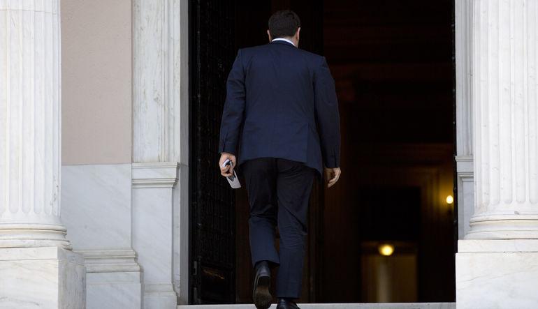 Brüksel, Atina üzerindeki çözüm baskısını artırdı