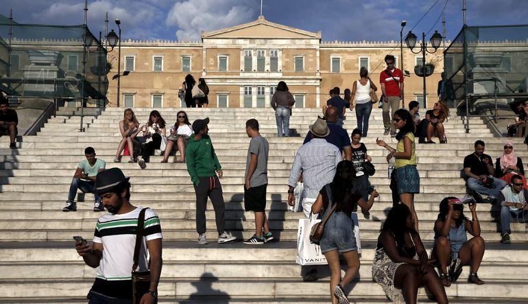 Yunan halkının yüzde 56'sı kemer sıkmaya razı
