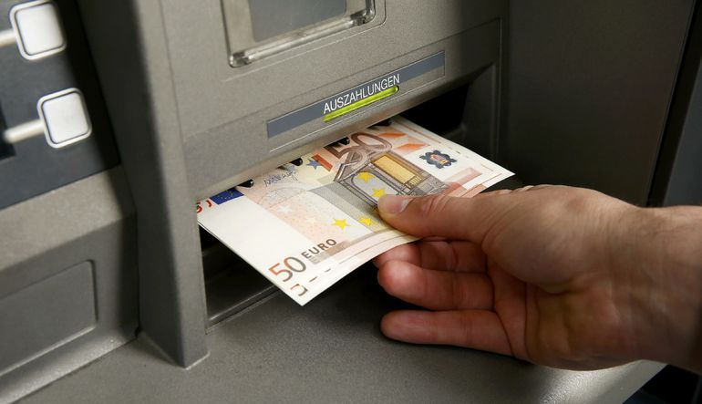 Yunan bankaları, finansal yardım görüşmelerinde anlaşmaya yaklaşılması ile soluk aldı