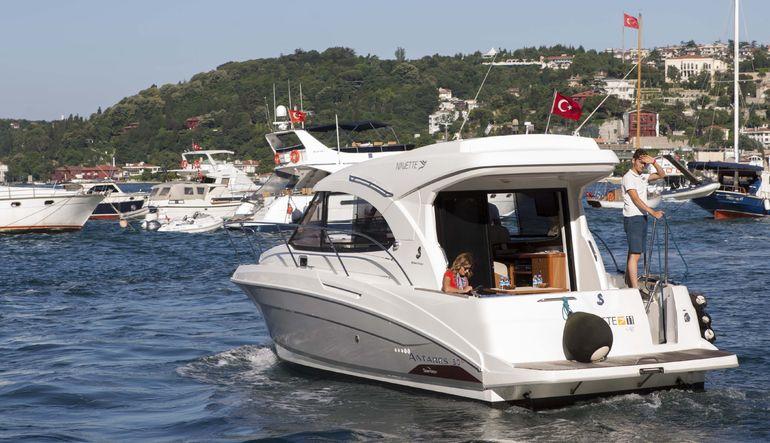 Özel taksi servisi Uber, ilk kez İstanbul'da denize açılarak kıtalararası taşımacılığa başlamaya hazırlanıyor