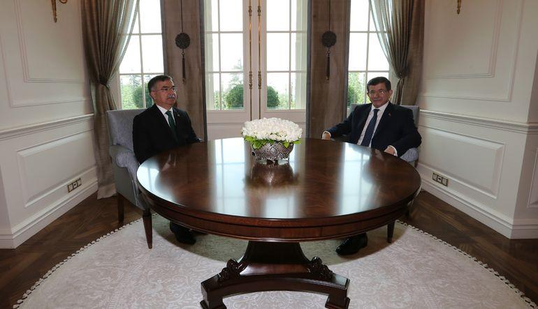 """AK Parti'nin meclis başkanlığı için """"çok iddialı bir isim olmayan"""" Savunma Bakanı İsmet Yılmaz'ı aday göstermesi AK Parti'nin Deniz Baykal'ı desteklem"""