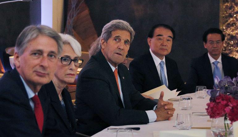 Beyaz saray, İran'la devam eden müzakerelerin bugün sonlanmayacağını, birkaç gün daha sürebileceğini söyledi