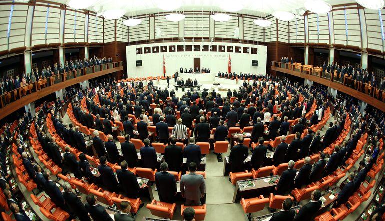 Koalisyon görüşmeleri için kritik kabul edilen Meclis Başkanlığı seçimlerinin ilk iki turu bugün yapılacak