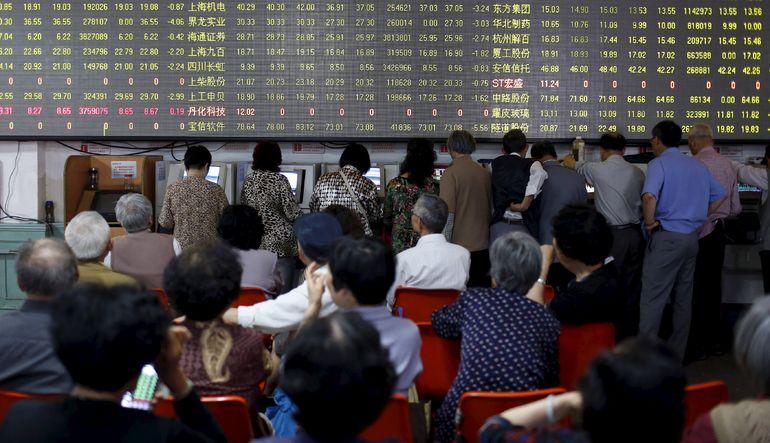 Çin'de borsacılar komünistleri geçti