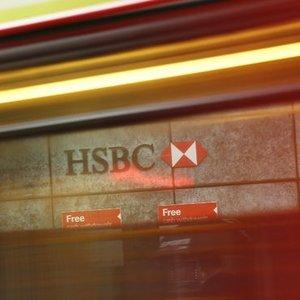 HSBC'YE ÜÇ BANKA TEKLİFTE BULUNDU