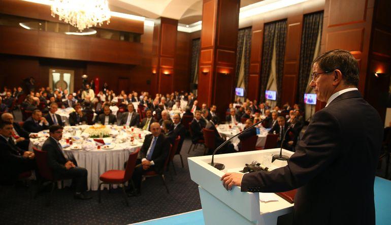 """Davutoğlu, """"MHP'nin tutumu koalisyon mesajı vermez"""" diye konuştu"""