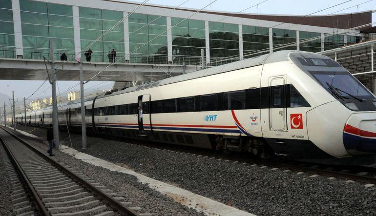 Geciken demiryolları yönetmeliği yatırımcıları ve vagon siparişlerini durdurdu