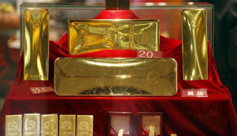 Yunan krizine rağmen talep toplayamayan altın dört ayın en düşüğüne yakın seyrediyor