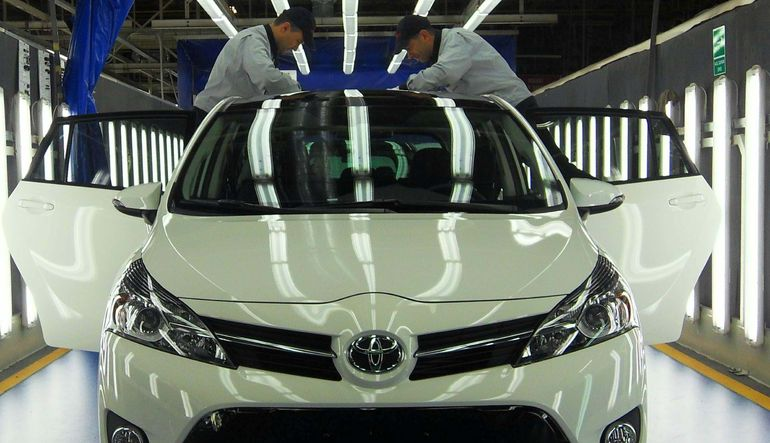 Reuters'a konuşan Toyota Türkiye CEO'su Özer, Rusya yüzünden ihracatta yaşanan düşüşü iç pazarla kapatmayı amaçladıklarını söyledi