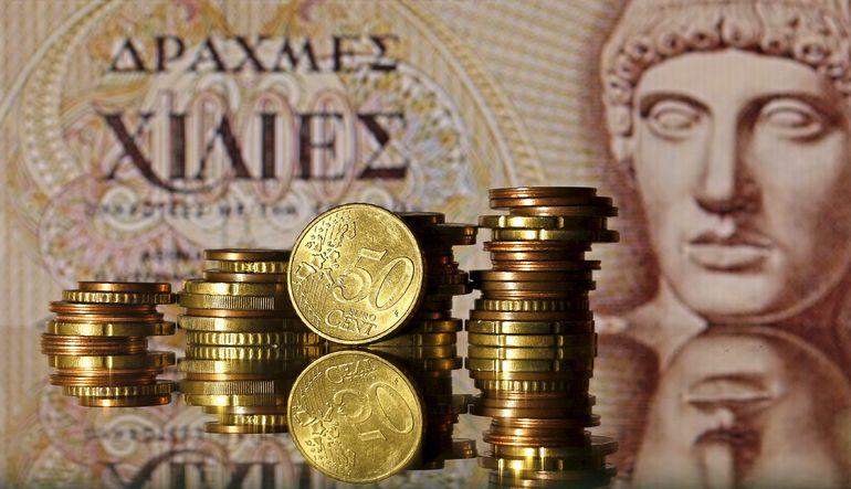 Pek çok küresel banka analistleri, Yunanistan'ın eurodan çıkma ihtimalini daha yüksek görüyor