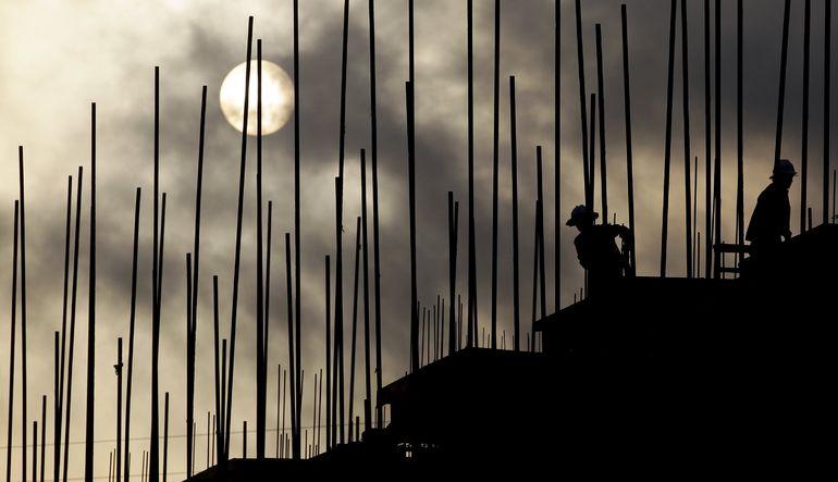 IMF, global ekonomi için 2015 büyüme tahminini aşağı çekti