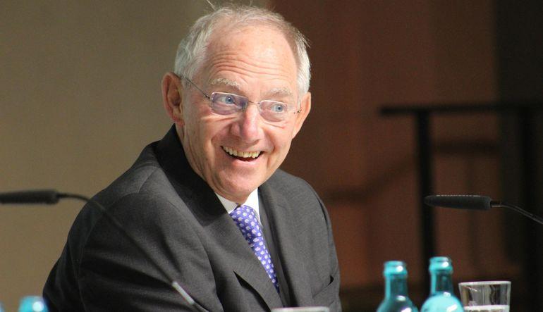 Alman Maliye Bakanı Schaeuble, ABD'nin Yunanistan konusundaki açıklamalarıyla dalga geçti
