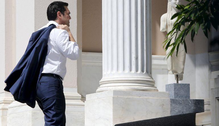 Tsipras'ın önündeki engeller