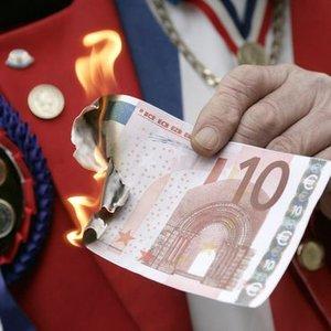 ACIMASIZ KREDİTÖRLER EURO BÖLGESİ'NİN SONUNU GETİRİYOR