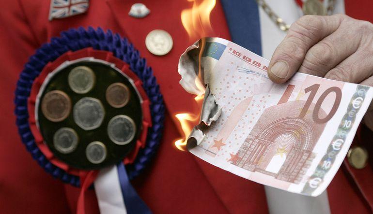 Acımasız kreditörler Euro bölgesinin sonunu getiriyor