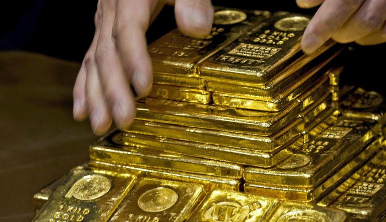 Yunanistan krizi endişelerinin de azalmasıyla altın üzerindeki aşağı yönlü baskı devam ediyor
