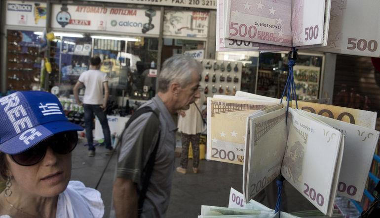 Yunanistan'da varılan anlaşmaya rağmen devam eden belirsizlik, euroyu zayıf tutmaya devam ediyor