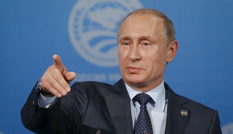 Rus lider Putin, Rusya'nın banka kartlarının ilk olarak Türkiye ve BRICS ülkelerinde geçerli olacağını söyledi