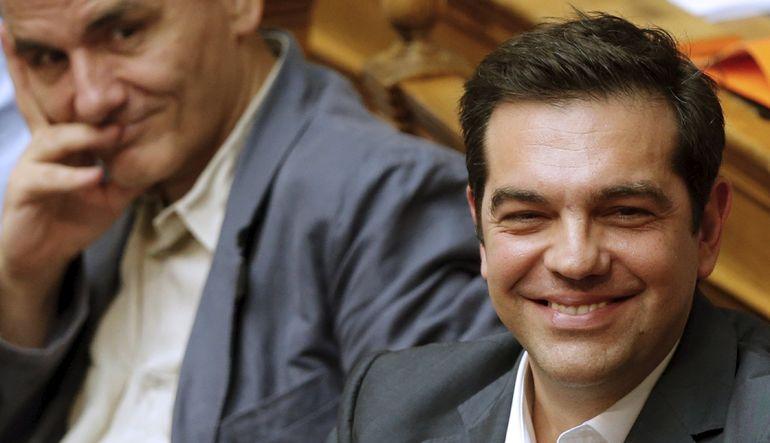 Avrupa Merkez Bankası Başkanı Mario Draghi, Yunan banklarına acil fonlama miktarını 900 milyon euro artırdıklarını açıkladı.