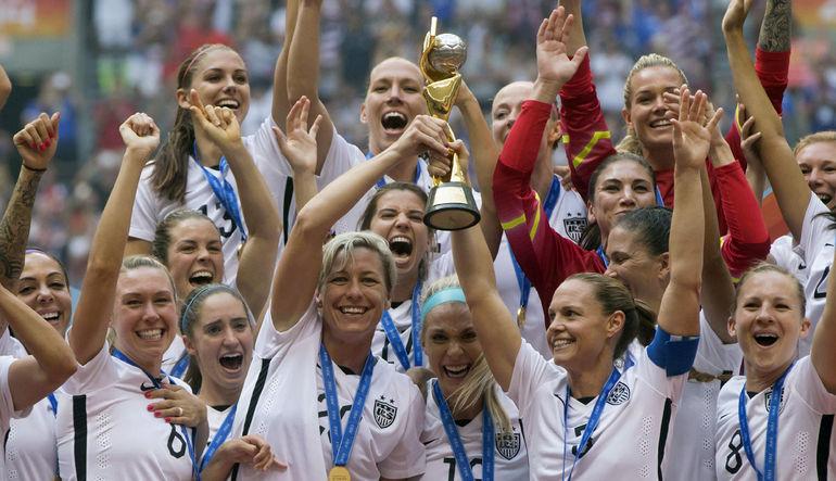 Yakın zamanda düzenlenen Kadınlar Dünya Kupası'yla yeniden canlanan sporda kadın-erkek gelir eşitsizliği meselesi üzerine bir yazı
