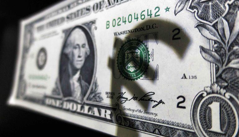 Dolar 10 yılın zirvesine yakın