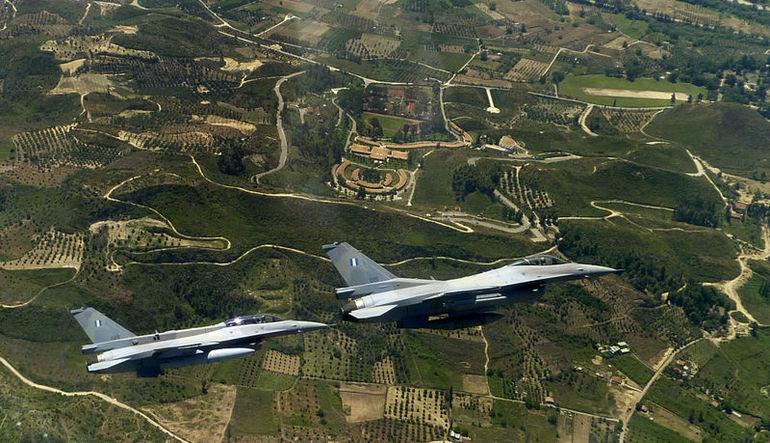 Çılgın iddia: Yunan pilot F16 ile Söke'ye inip ATM'den para çekti