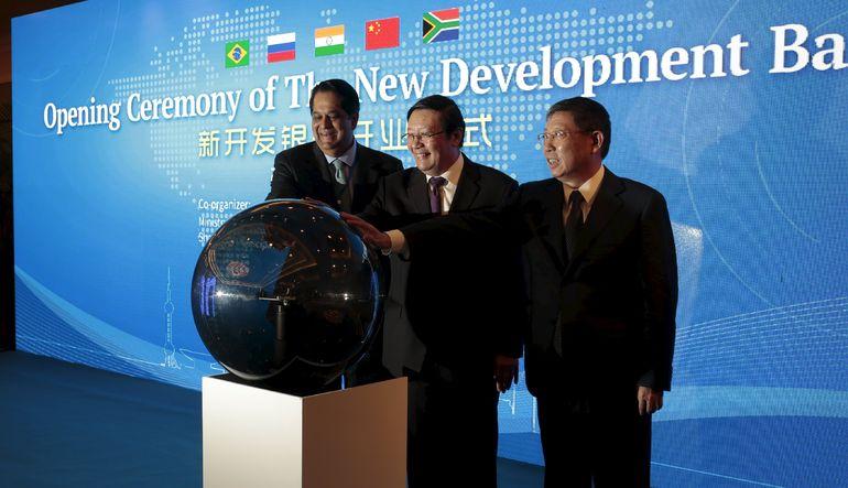 BRICS'in bankası faaliyette