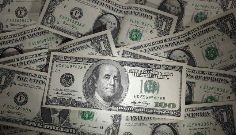 Dolar dünden bu yana kayıplarını korusa da analistler genel görünümün güçlü olmaya devam etmesini bekliyor