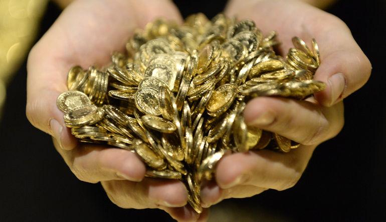 Hafta başında beş yılın en düşüğüne gerileyen altın fiyatları 19 yılın en uzun düşüş serisini kaydetmeye hazırlanıyor