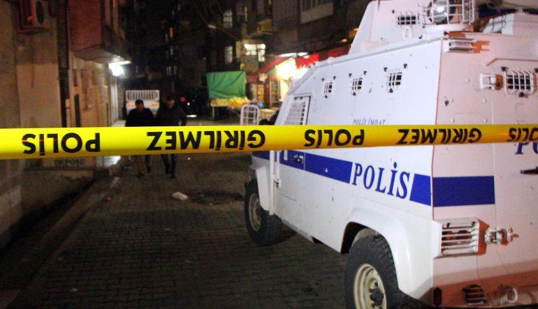 Şehitlik semitindeki saldırıda iki polis yaralandı
