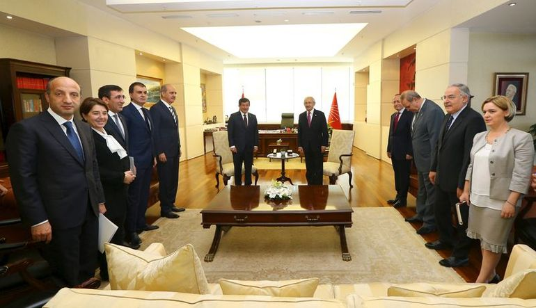 Ak Parti-CHP heyetleri bugün görüşecek