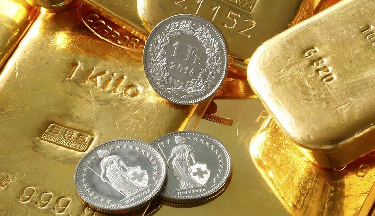 Fed faiz artırımı beklentileriyle altın kayıplarını artırıyor