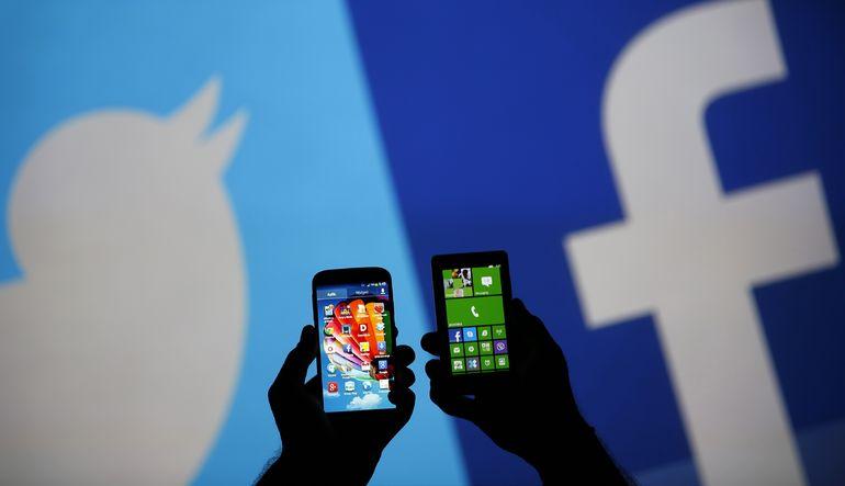 Facebook ve Twitter'da yavaşlama