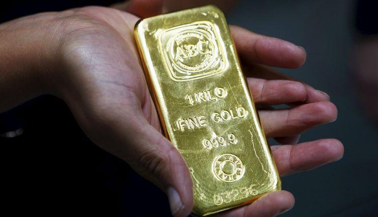 Altın yeni haftaya da düşüşle başladı