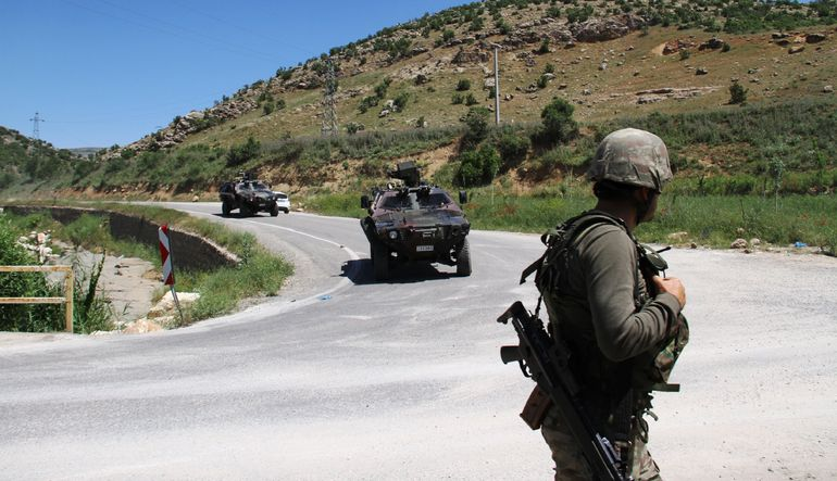 Şırnak'ta askere ateş açıldı