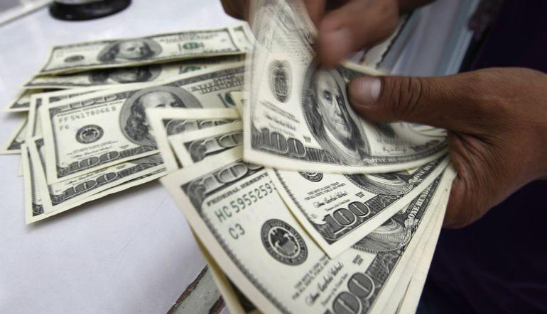 Dolar rekora mı koşuyor?